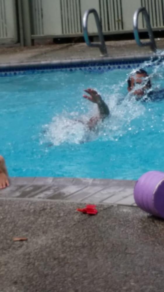 Patti S Swim School 30 Photos 64 Reviews Swimming Lessons 4621 James Ave Castro Valley