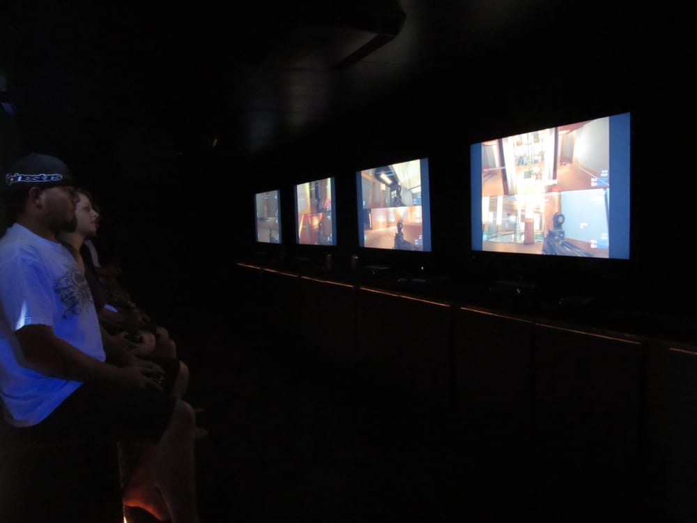 Xtreme gaming trailer noleggio camion giochi fresno for Noleggio di grandi cabine ca