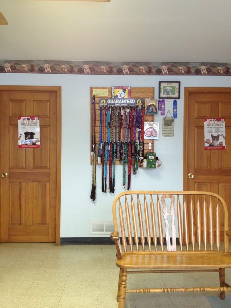 Bennington Veterinary Clinic: 1375 Clinton Street Rd, Attica, NY