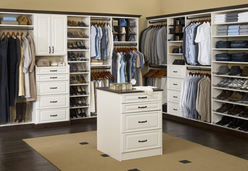 Master bedroom walk in closet yelp for Master bedroom with ensuite and walk in wardrobe