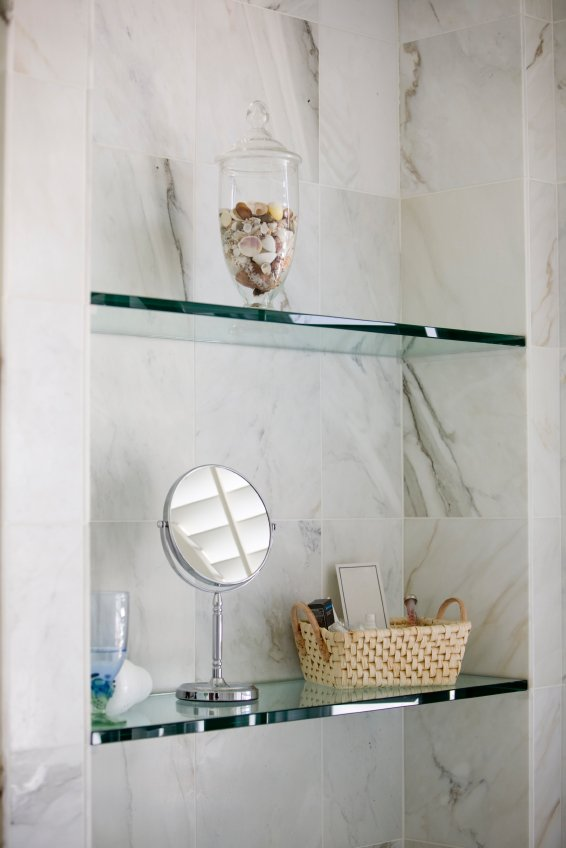 Super Pictured Are 1 2 Thick Glass Shelves With A Pencil Polished Home Interior And Landscaping Ferensignezvosmurscom
