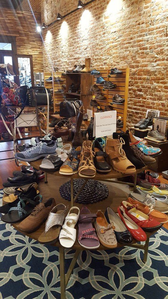 Hertz Shoe Store: 124 E Main St, Madison, IN