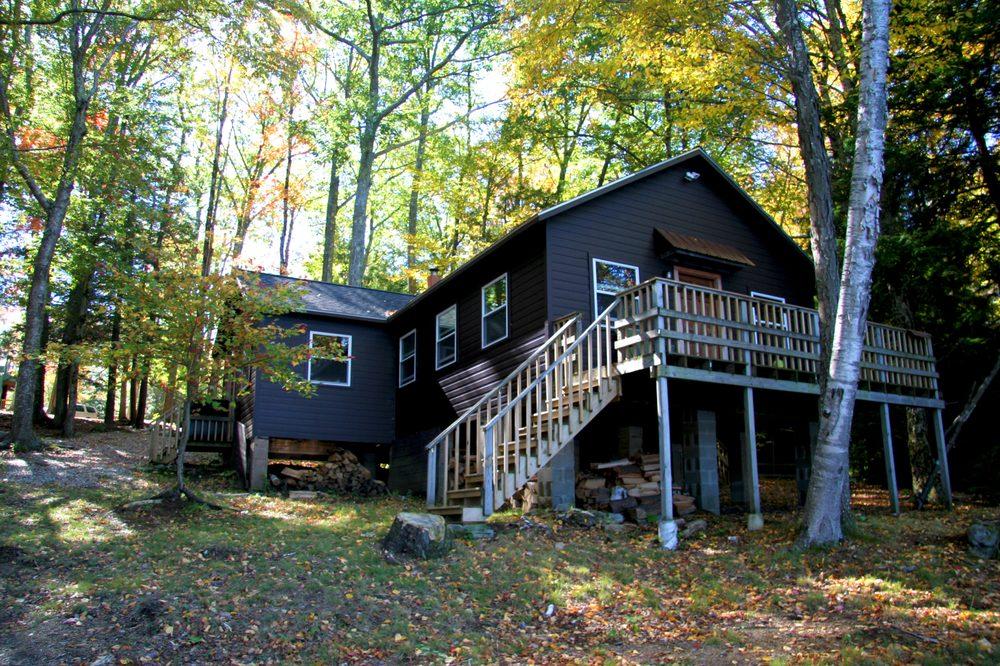 The Retreat at Norwich Lake: 128 Norwich Lk, Huntington, MA