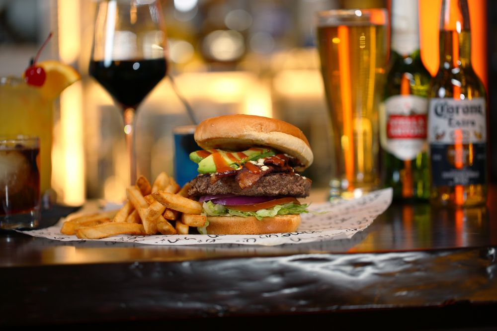 Game On Burgers & Bar: 45875 Mound Rd, Shelby Township, MI