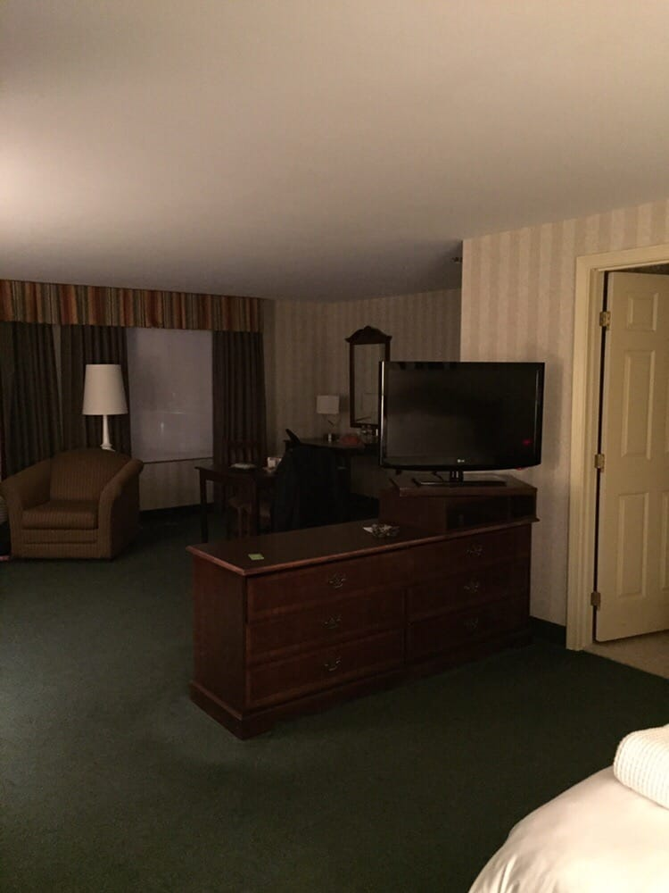 Radisson Hotel Suites 41 Reviews Hotels 10 Independence Dr Chelmsford Ma Phone Number Yelp