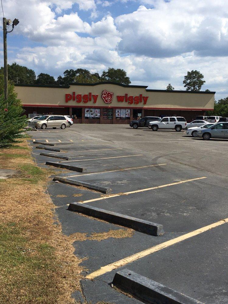 Piggly Wiggly: 53 S Broad St, Butler, GA