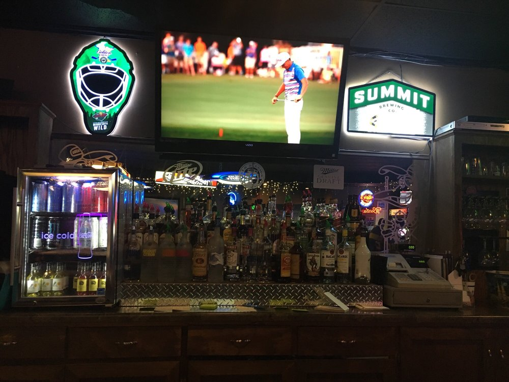 Duck's Sports Bar & Grill: 3606 W Division St, St. Cloud, MN