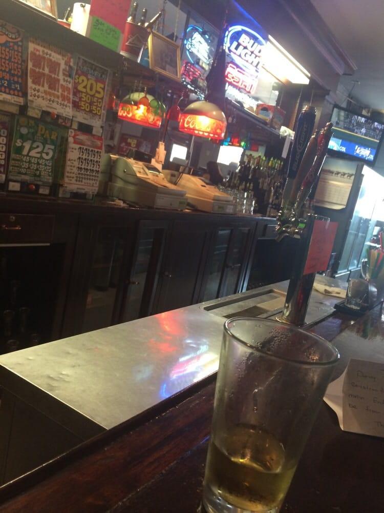 Blue Moon Bar & Grill: 624 E Edison Ave, Sunnyside, WA