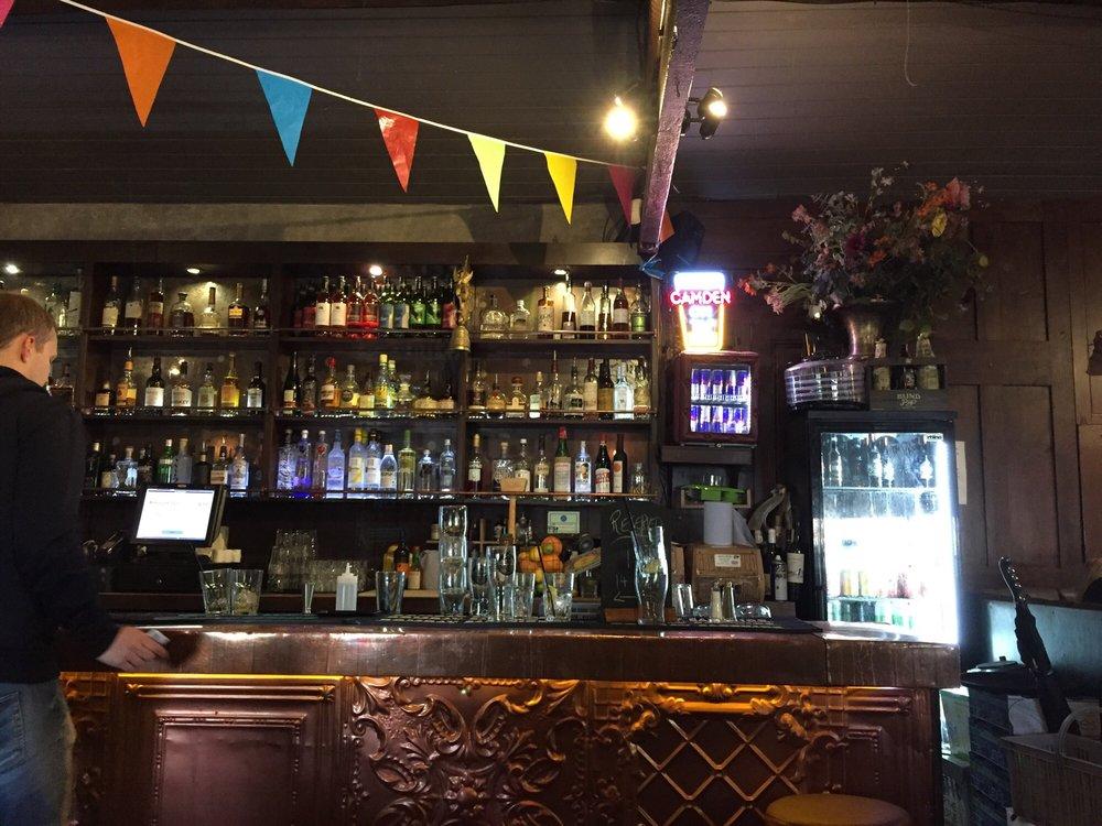 La Cabina Haggerston : Lockside bar & kitchen bars 406 camden lock market camden town