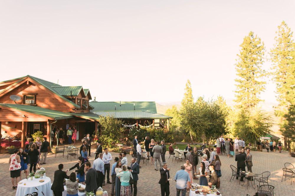 Lillaskog Lodge: 27557 Packard Canyon Rd, Groveland, CA