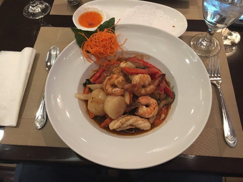 Srisiam thai restaurant 33 fotos y 37 rese as cocina for Ar roi thai cuisine