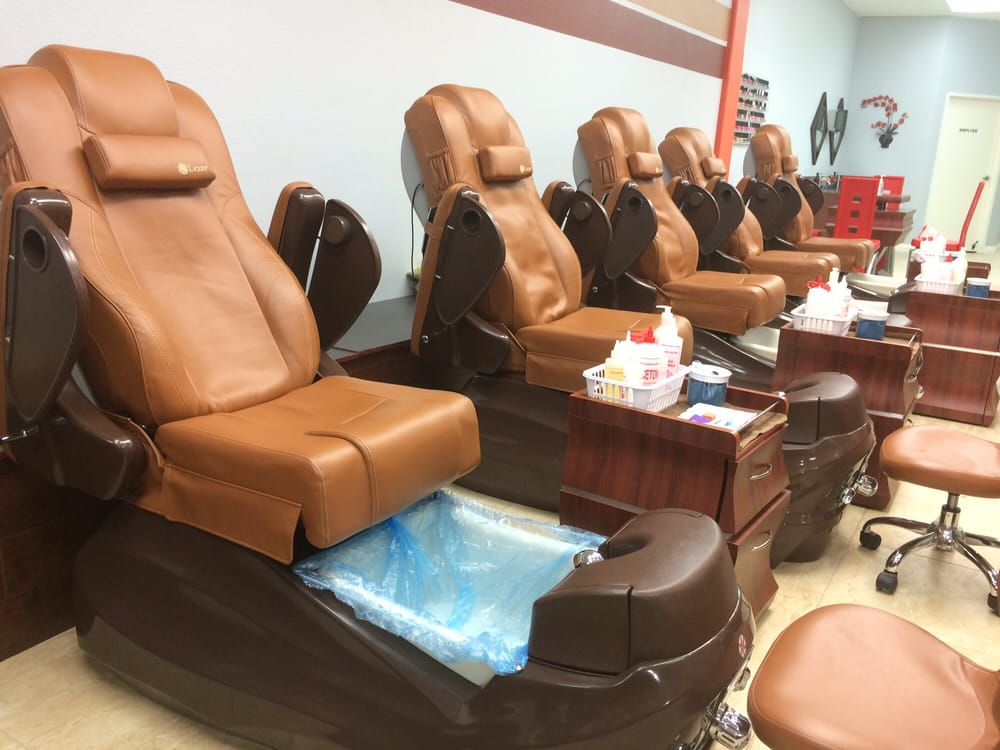 Disposable liners on pedicure chairs - Yelp