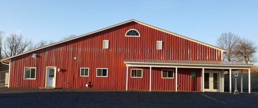 TailBanger's Pet Resort: 7580 Hill Rd, Dallastown, PA