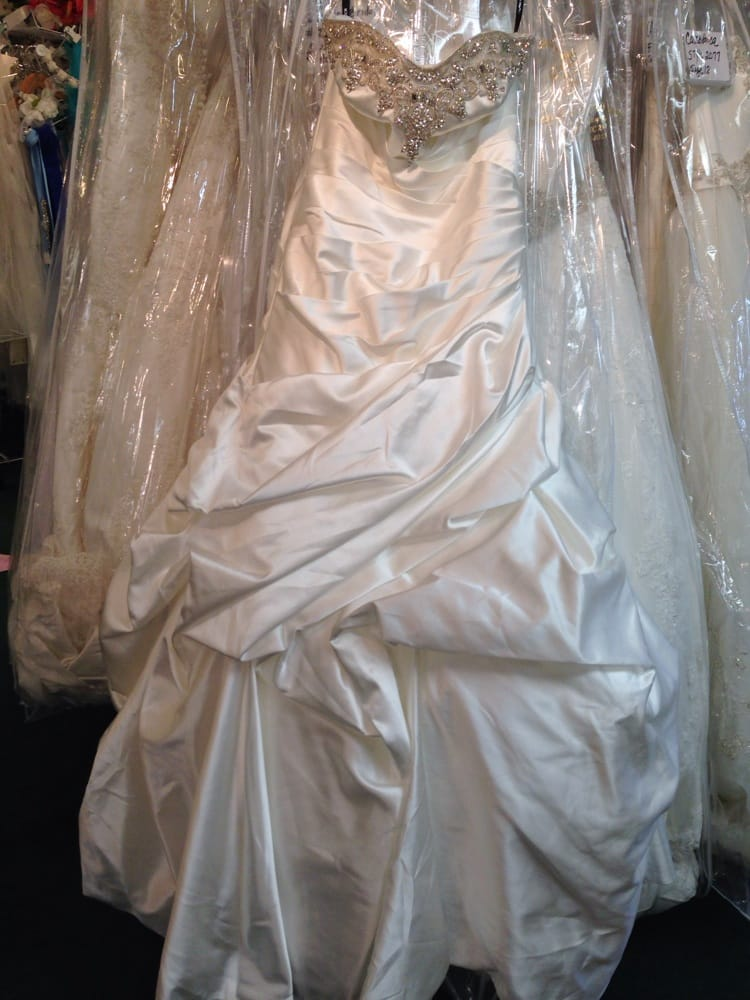 Bridal place alterations 19 photos bridal 1730 for Off the rack wedding dresses near me