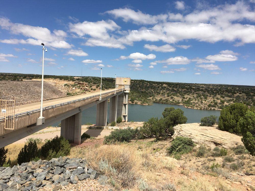 Lake Park: Lake Dr, Santa Rosa, NM