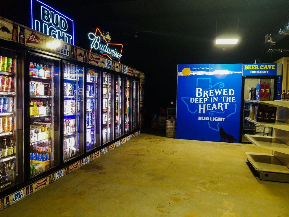 Bottlenecks: 20760 Hwy 79 E, Jacksonville, TX