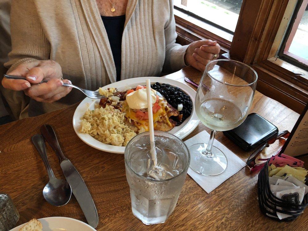 Cornerstone Restaurant: S43 W31343 Hwy 83, Genesee Depot, WI