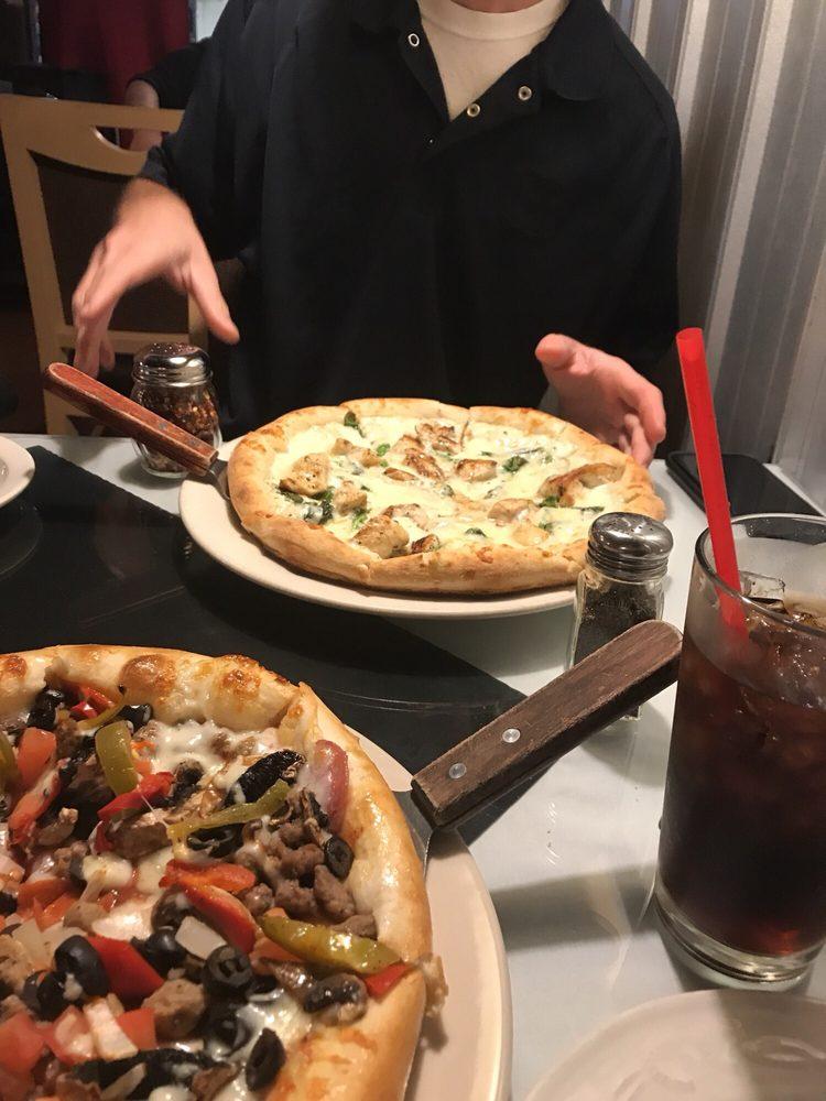Roma's Italian Restaurant: 400 Shannon Rd E, Sulphur Springs, TX
