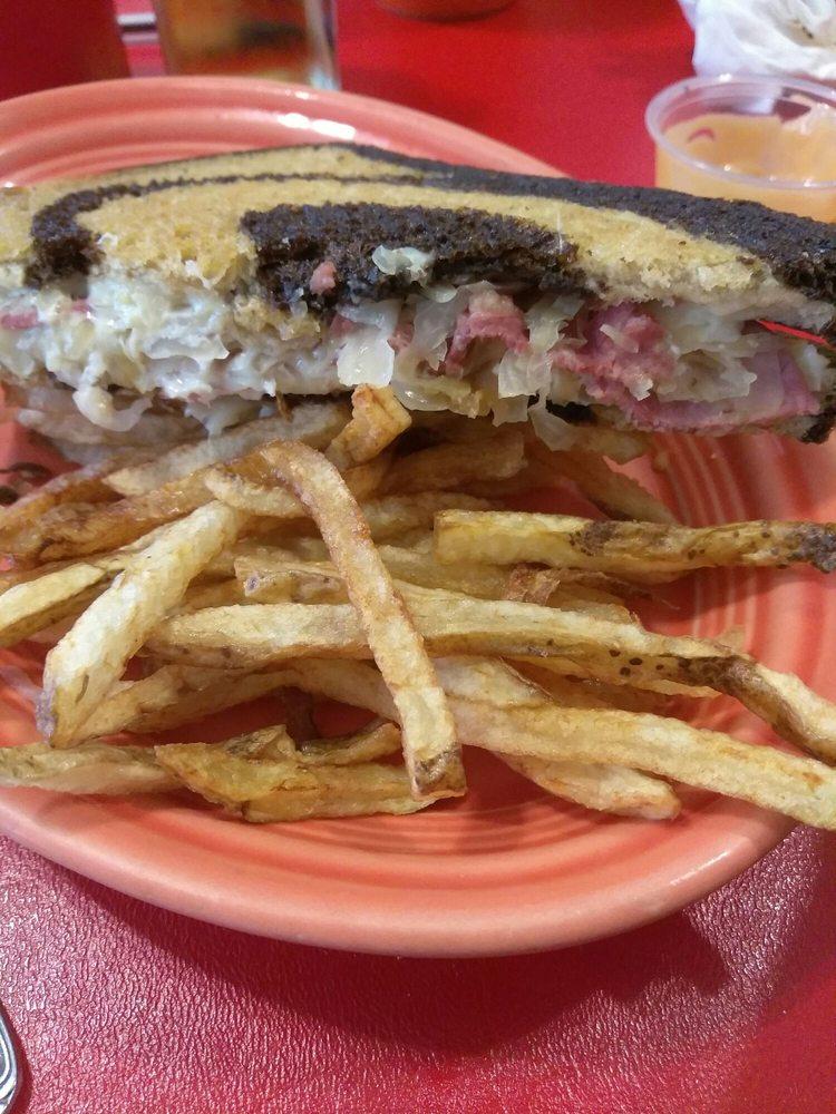 Bergholz Diner: 270 2nd St, Bergholz, OH