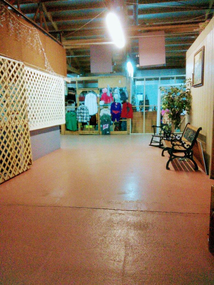 Capitol Flea Market: 2101 Greenbrier St, Charleston, WV