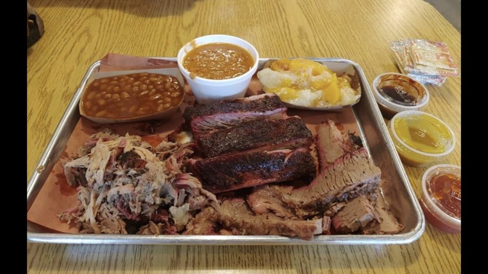 Tickled Pig BBQ: 270 W Washington St, Madison, GA