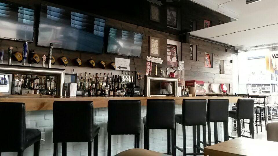 Rivals Sports Pub
