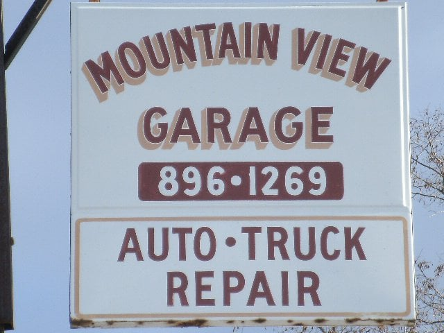 Mountain View Garage: 3381 Winsinger Dr, Broadway, VA