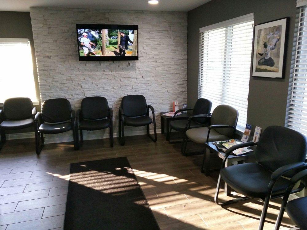 Geller Foot Clinic: 28460 Southfield Rd, Lathrup Village, MI