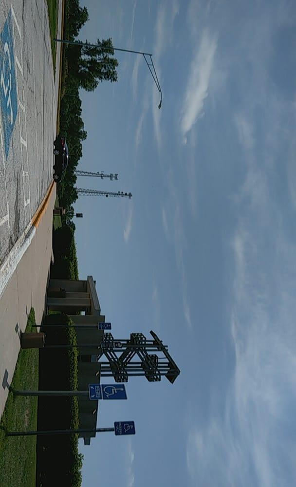 Scenic Overlook Tower: 16614 Interstate 680, Honey Creek, IA