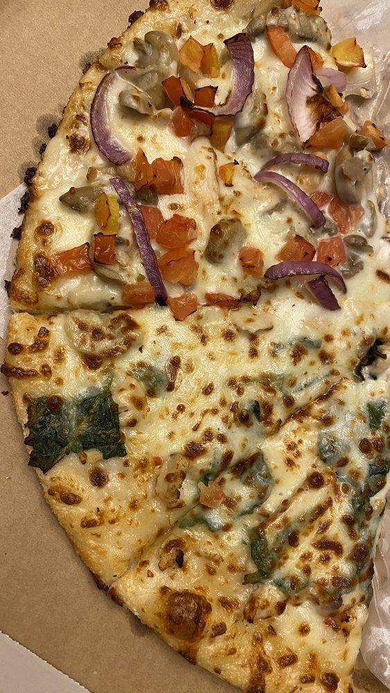 Milano's Pizza: 21146 Hwy 155, Flint, TX