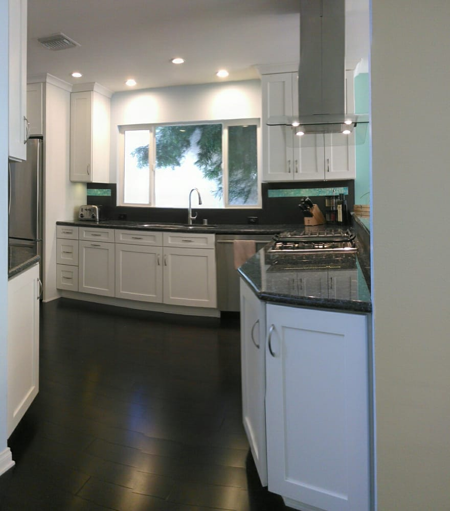 los angeles transitional kitchen - blue pearl granite, shaker