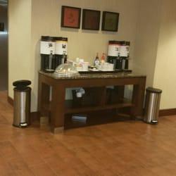 1 Hampton Inn Suites Winston M
