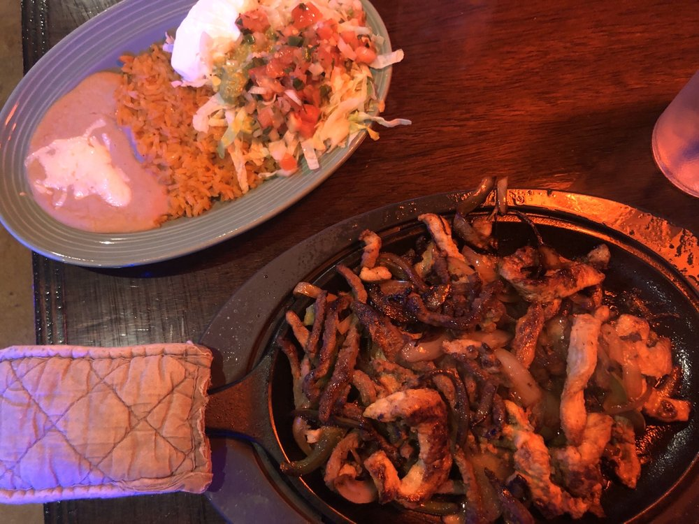 Frida's Mexican Bar & Grill: 118 N Broad St, Thomasville, GA