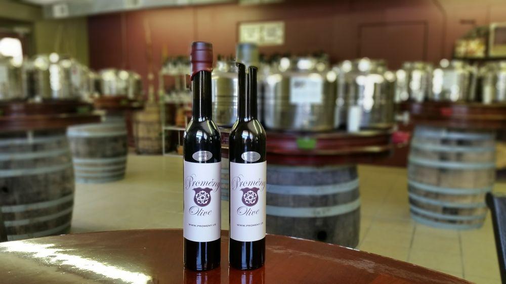 Promeny Olive & Wine: 910 W Buffalo, New Buffalo, MI