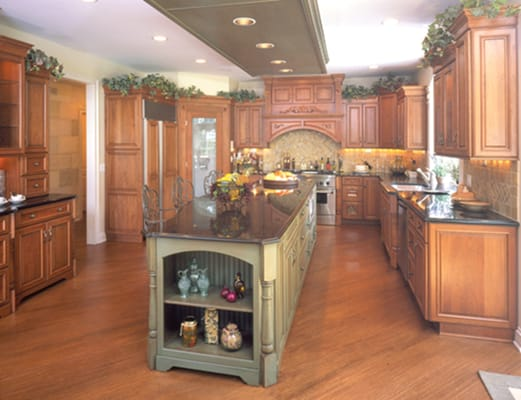 Photo Of Colonial Kitchen U0026 Bath Cabinetry   Sandwich, IL, United States