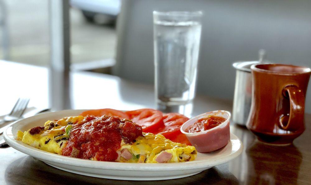 Arlis's Restaurant: 1525 Cornwall Ave, Bellingham, WA