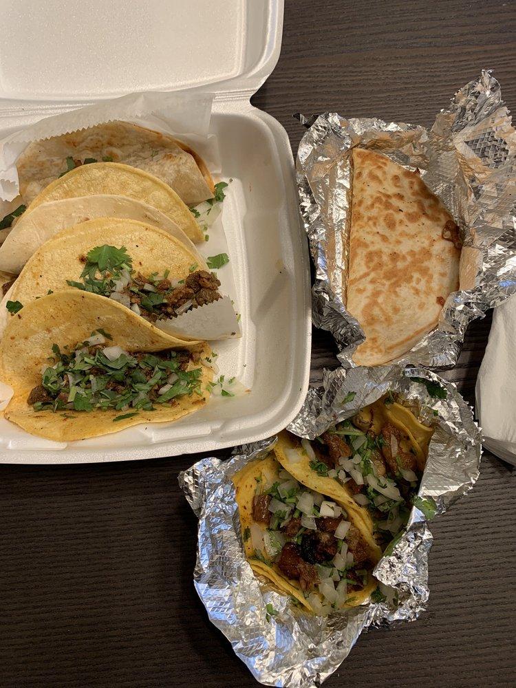 Taqueria El Taco: 609 E 6th Ave, Belton, TX