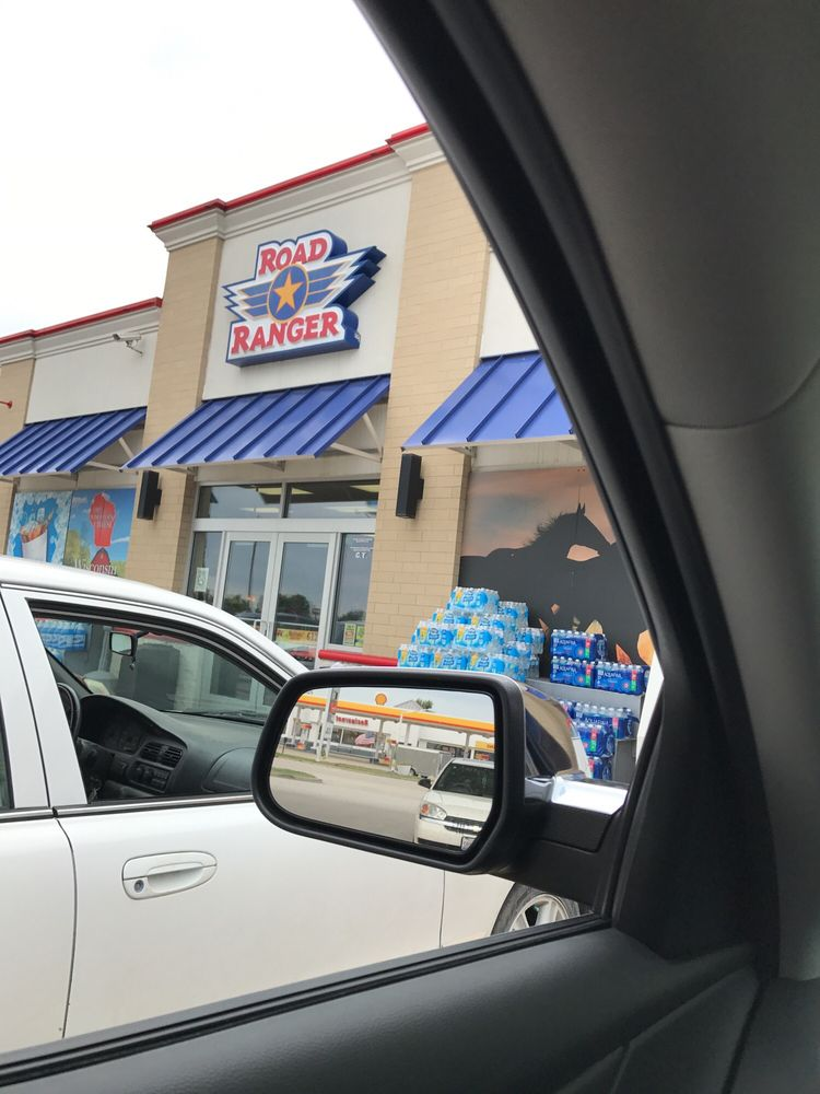 Road Ranger: 3041 N Il Rt 71, Ottawa, IL