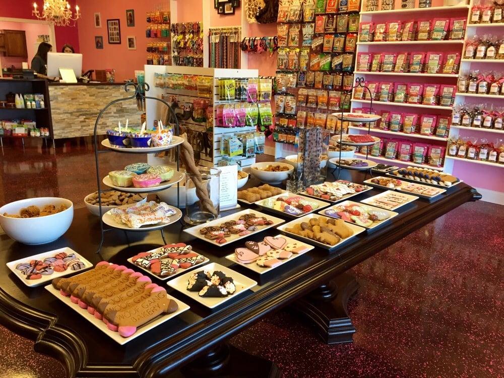 Woof Gang Bakery & Grooming Wichita: 9747 East 21st N, Wichita, KS