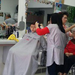 Family haircuts 33 fotos y 12 reseas barberas 1617 w foto de family haircuts arlington tx estados unidos winobraniefo Choice Image