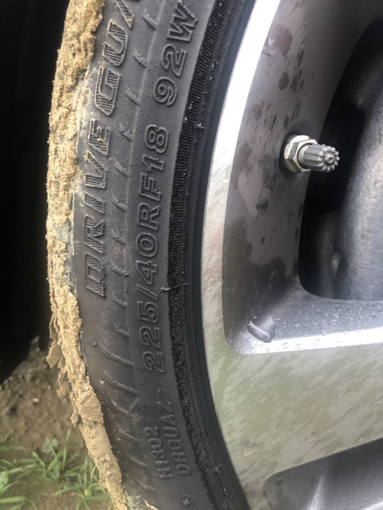 Leos Tire Service: 22055 W Manning Ave, San Joaquin, CA