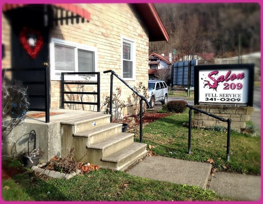 Charleston wv hair salons om hair for 712 salon charleston wv