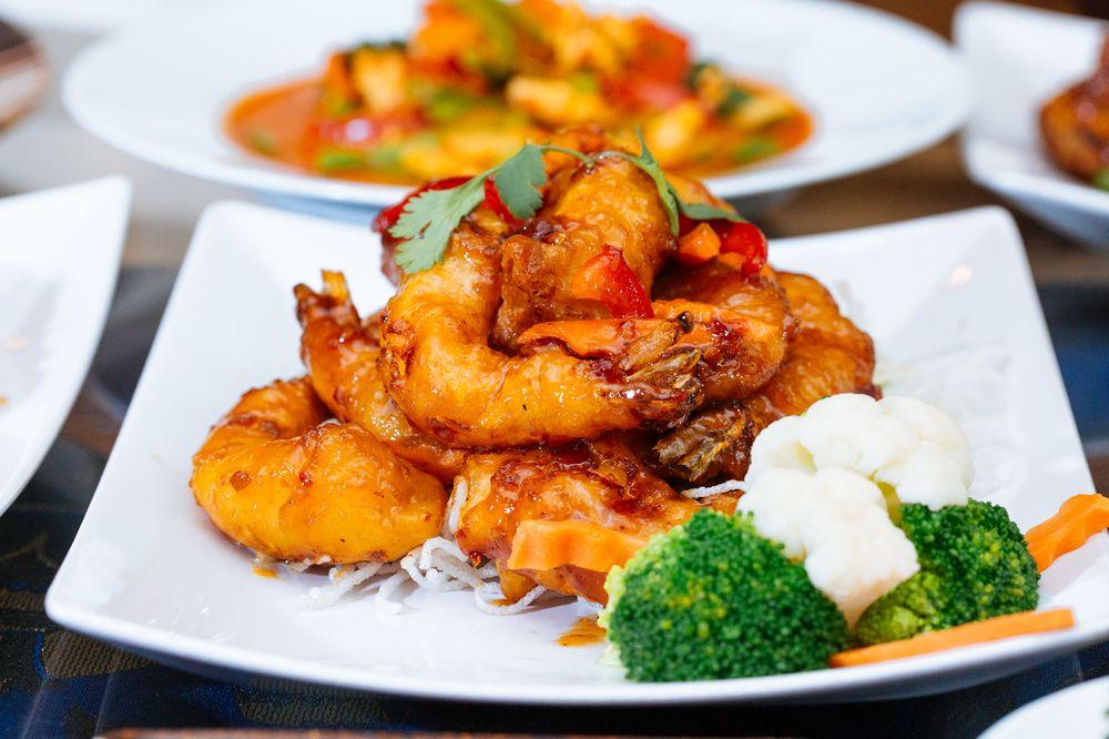 Lai Thai Cuisine: 200 White Horse Rd, Voorhees, NJ
