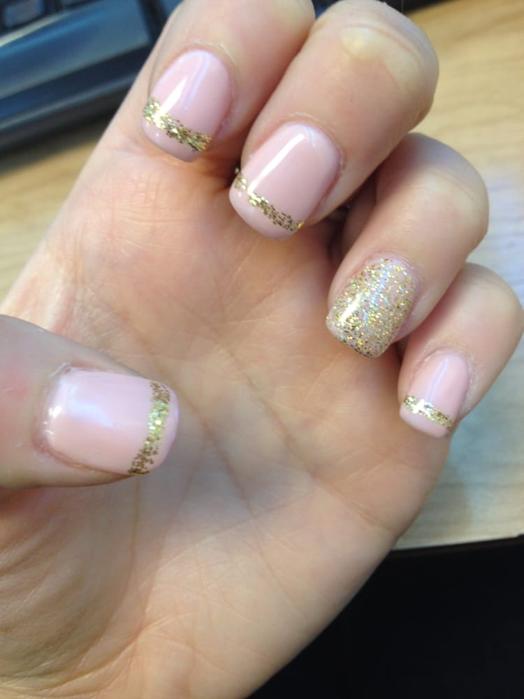 Light Pink Gel With Gold Sparkle Designs Helen Replicated This