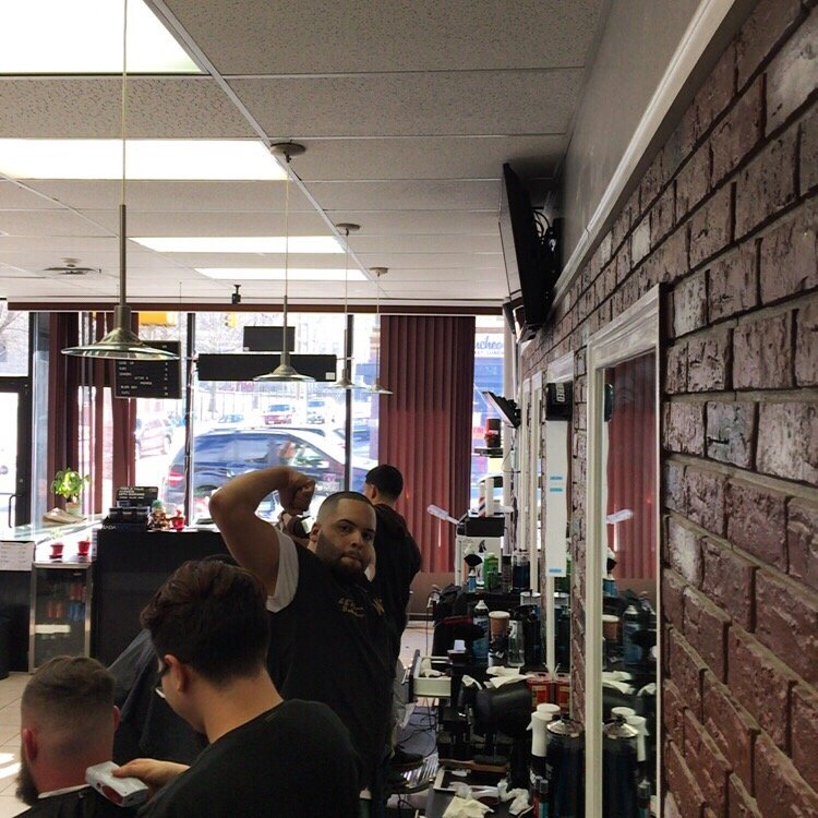 barbers corner guys Meet the us open barbers who are snipping, trimming and shaping the coifs and mops of the world's best golfers  their humble shop, maybe 10′ x 10′, is tucked away in the corner of the .