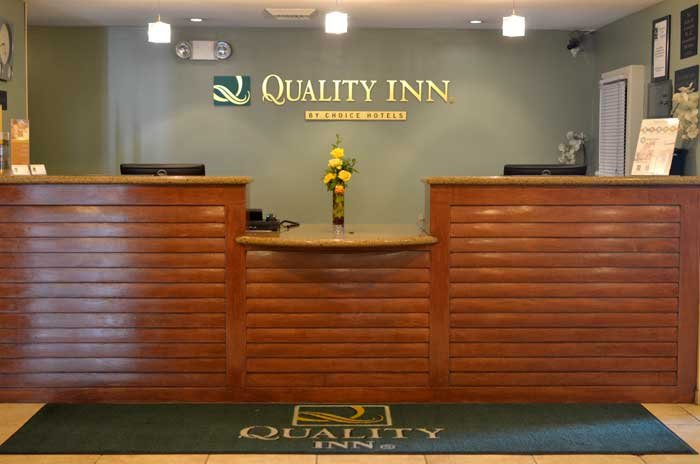 Quality Inn & Suites Anaheim Resort is a block away from Disneyland® Resort via a pathway starting at Buddha Point. The Anaheim Resort Transit shuttle connects the resort to Disneyland® Resort for a .