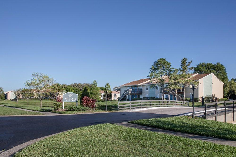 Gateway Lakes Apartments