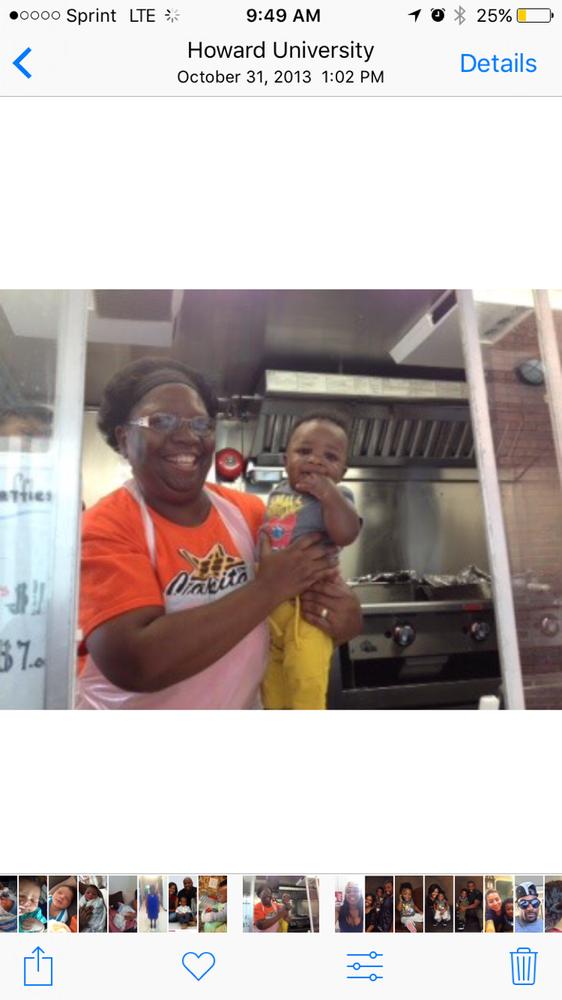 Capital Chicken Waffles 56 Photos 83 Reviews Food Trucks