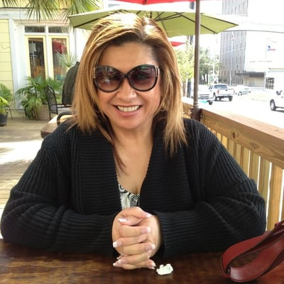 Sandra V.